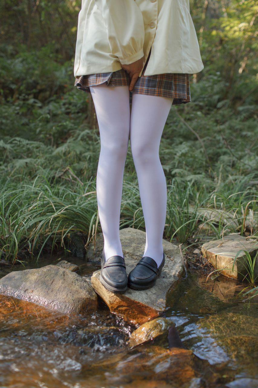 少女秩序 EXVOL.02 白丝户外 活捉野外小姐姐 兔玩映画 第10张