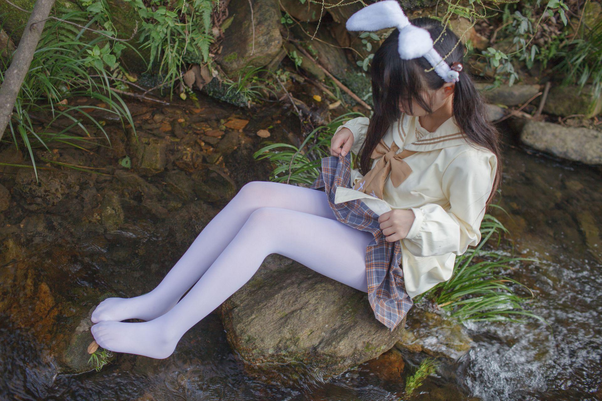 少女秩序 EXVOL.02 白丝户外 活捉野外小姐姐 兔玩映画 第34张