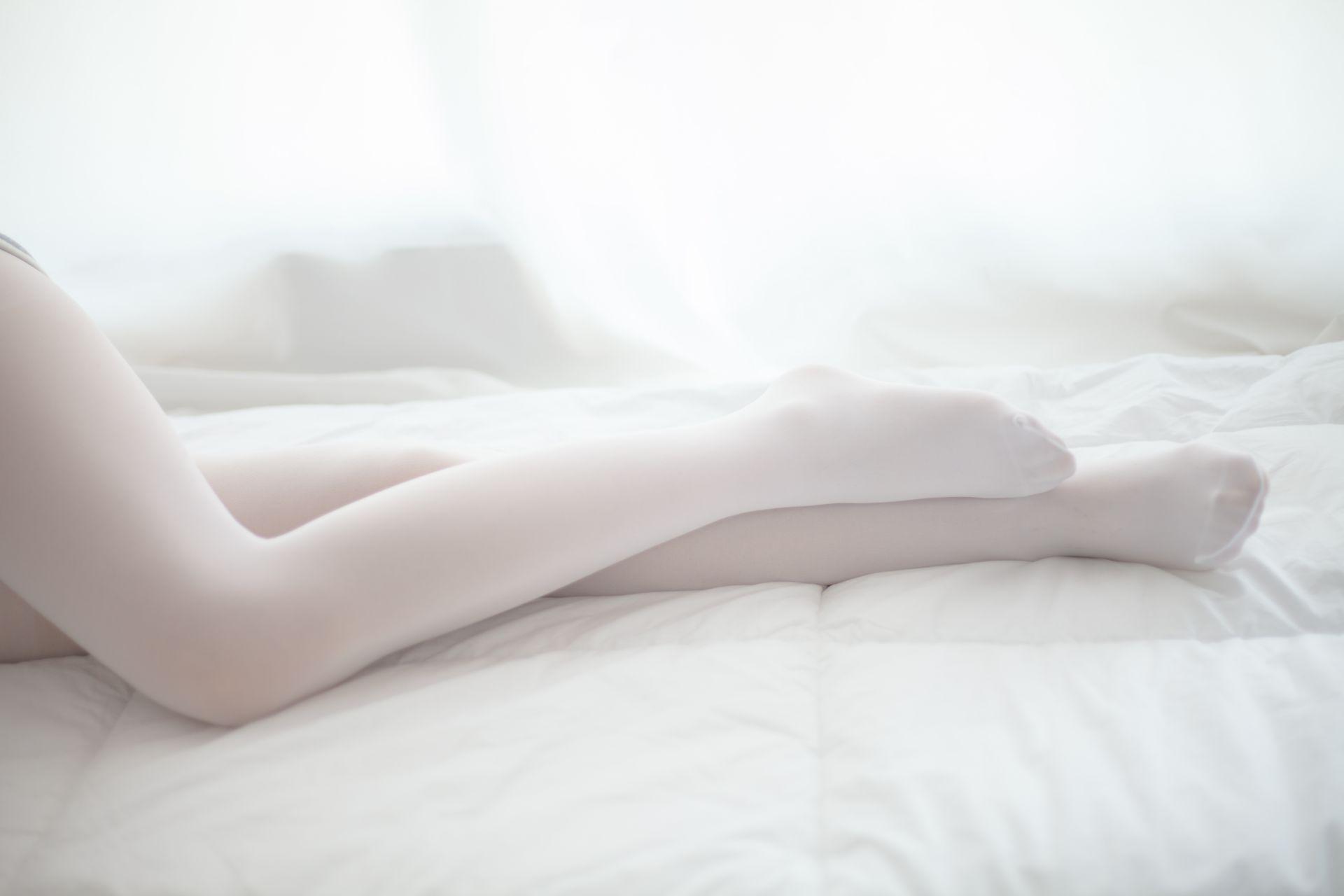 少女秩序 VOL.001 白色丝袜~ 兔玩映画 第2张
