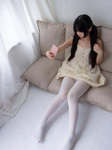 【森萝财团】爱花写真-ALPHA-013 白丝女孩玩美足 [90P-805MB]