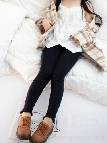 【森萝财团】爱花写真-ALPHA-018 可爱少女居家服 [121P-1.53GB]