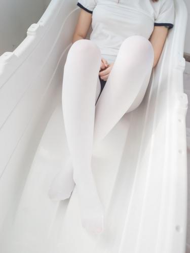 【森萝财团】森萝财团写真 – BETA-031 浴缸白丝 [48P1V-410MB]
