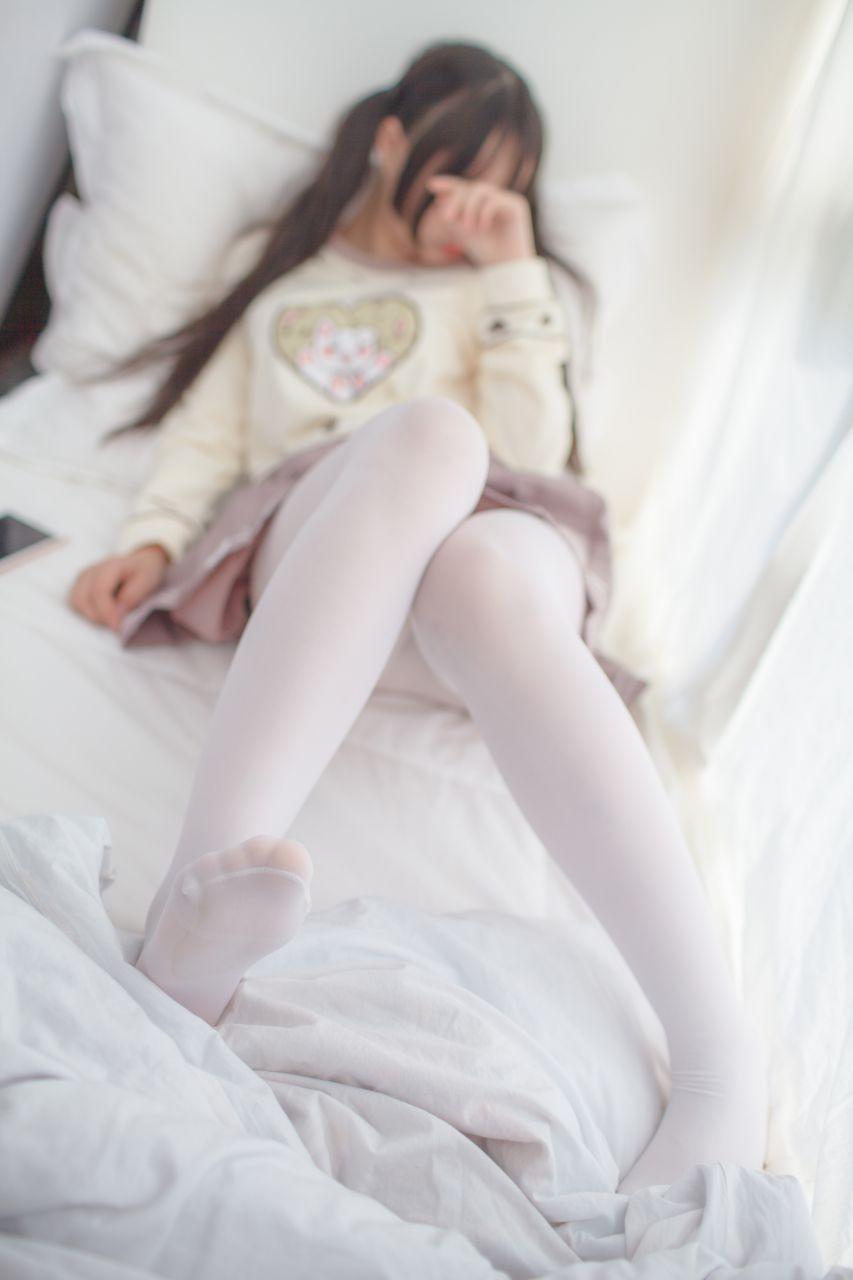 少女秩序 VOL.012 少女的丝足特写 兔玩映画 第1张
