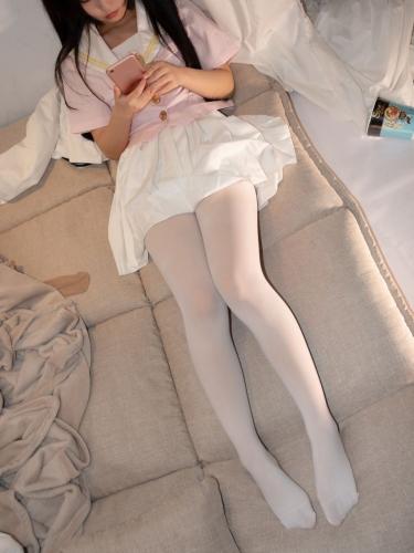 【森萝财团】爱花写真-ALPHA-012 超可爱露脸白丝 [103P-1V-1.08GB]