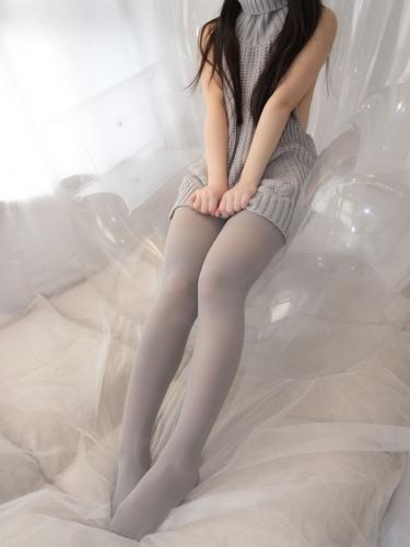【森萝财团】爱花写真-ALPHA-009 露背毛衣 灰丝露脸 [98P-1005MB]