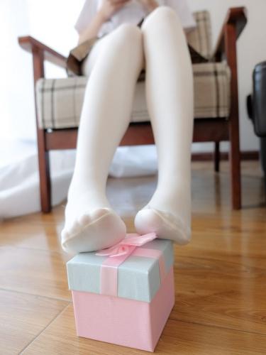 【喵写真】 喵写真 – R15-022 穿裙子要有格调 [95P-479MB]