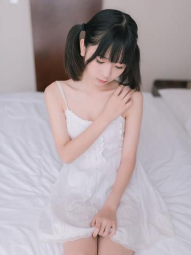 【喵糖映画】喵糖映画 – VOL.177 白裙少女 [47P-226M]