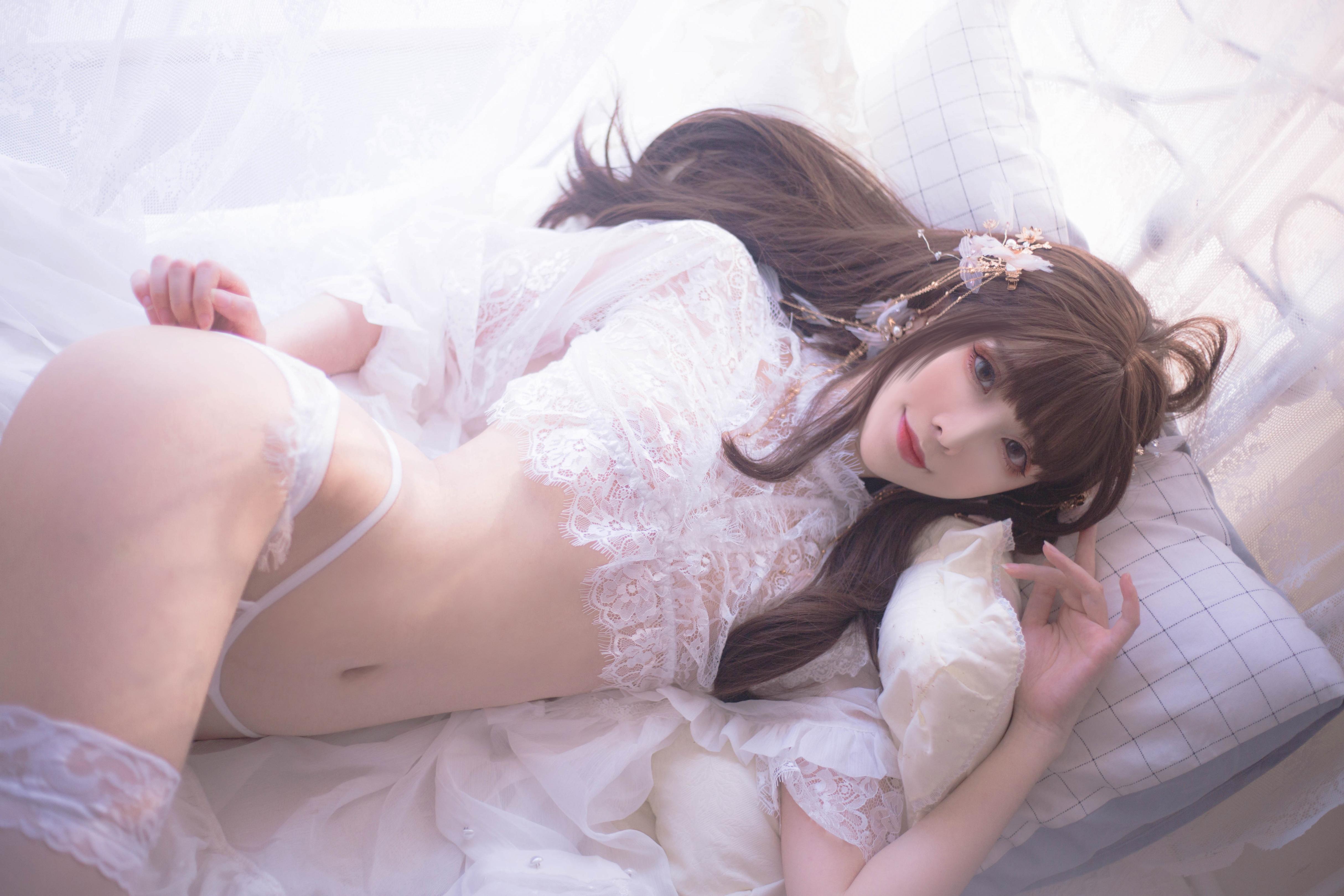 Sakiiii翎柒白色流云写真,迷人的小姐姐谁能不爱