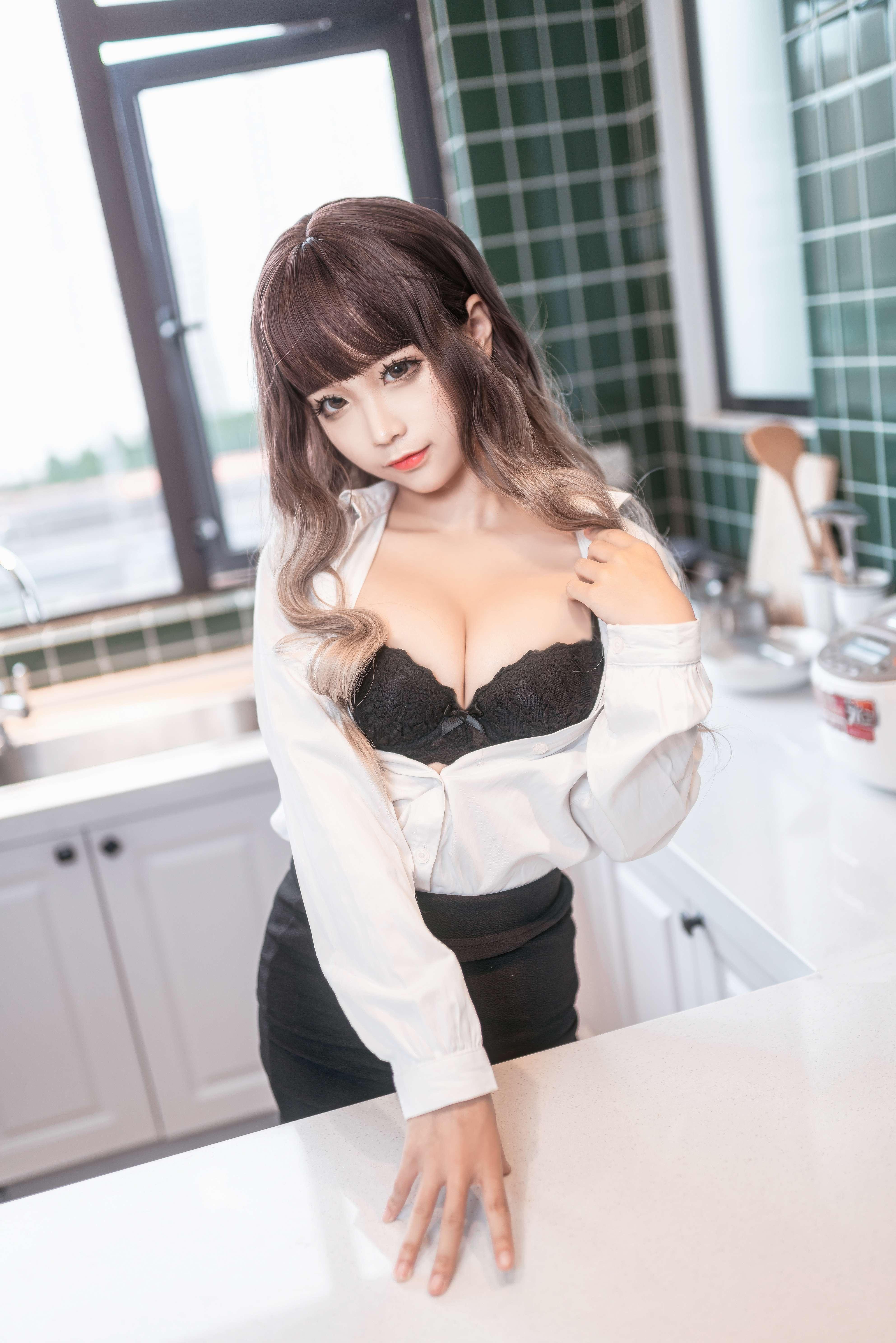 蠢沫沫办公室OL制服写真,这样的秘书你不想要吗