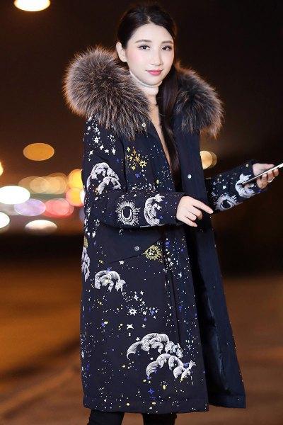 与牧2018冬季新款连帽口袋常规长袖拉链羽绒服配真毛领中长款外套H-MZ2077-1