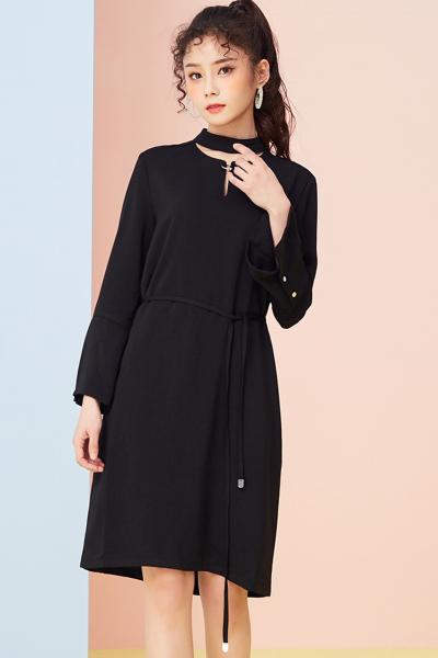 【2件2.5折价:66.5】美特斯邦威连衣裙女新款时尚都市风甜美直身雪纺连衣裙