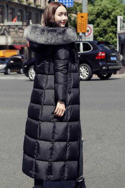 芷臻zhizhen反季羽绒服女中长款2019新品大毛领长过膝韩版显瘦时尚个性冬