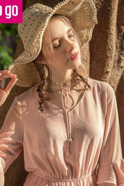 Lagogo2018春季新款时尚V领系带荷叶袖连衣裙女松紧腰百褶中长裙