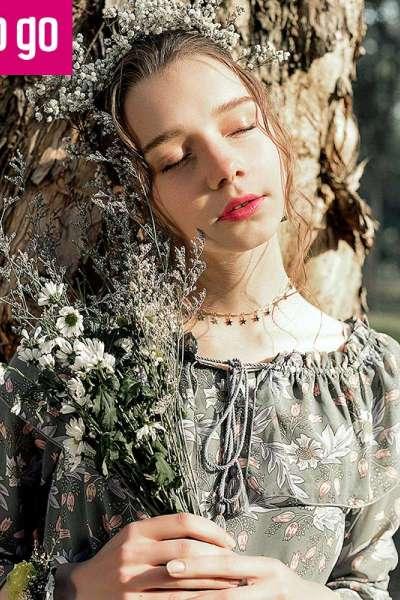 Lagogo2018春季新款时尚长袖雪纺连衣裙一字领印花中长裙女秋冬