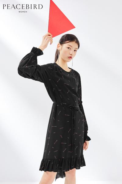 连衣裙女中长款2019春季新款圆领套头系带不规则裙摆女太平鸟女装