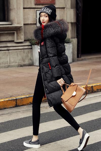 芷臻zhizhen韩版羽绒服冬季2018新品女装中长款修身超大毛领过膝外套潮