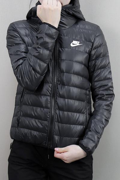 Nike/耐克 女装外套 冬季 防风保暖运动休闲夹克羽绒服805083-010