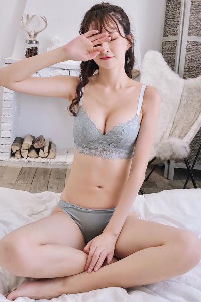 雅时芳(YASHIFANG)性感防下垂内衣套装女蕾丝 小胸聚拢文胸调整型无钢圈收副乳胸罩
